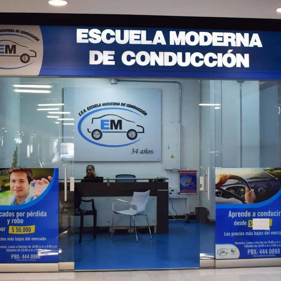 Escuela Moderna de Conducción