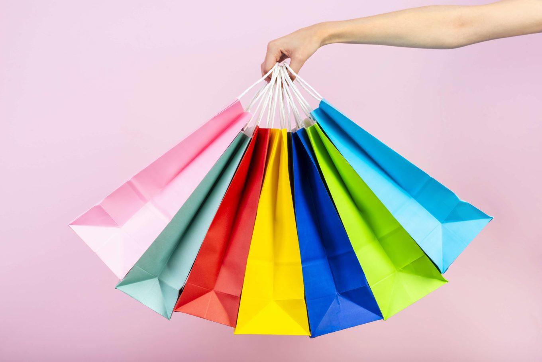 Tiendas Outlet, una opción para comprar ropa al por mayor -